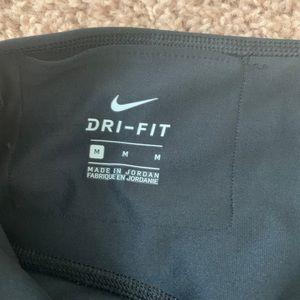 Nike Pants - NWOT Nike Dri Fit Capri Sport Tight